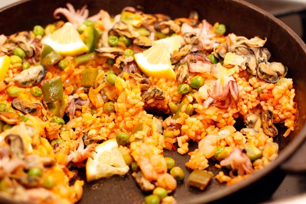 Фото для рецепта: Классическая испанская паэлья с морепродуктами