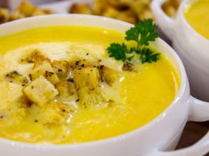 Фото для рецепта: Суп-пюре из тыквы