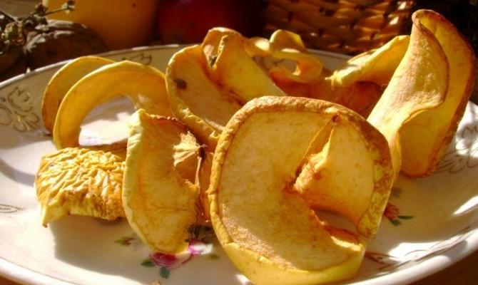 Фото для рецепта: Сухофрукты из яблок и груш