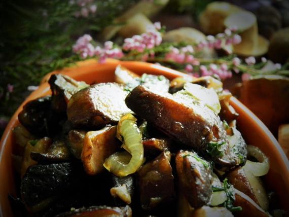 Фото для рецепта: Лесные грибы по-русски