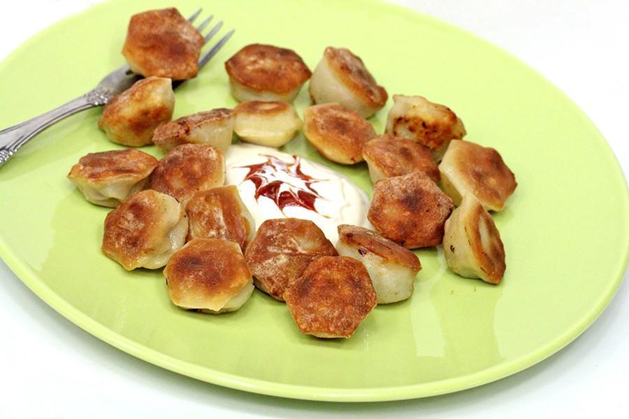 Фото для рецепта: Жареные пельмени