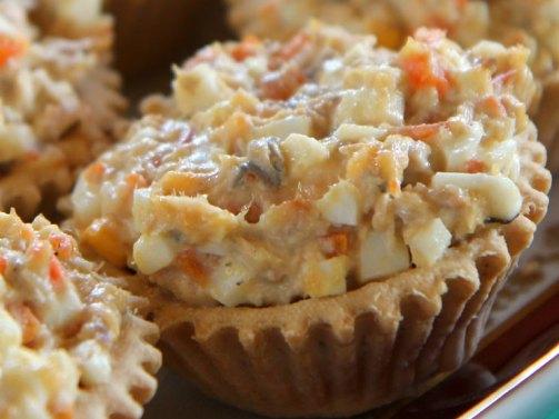 Фото для рецепта: Тарталетки с рыбной консервой