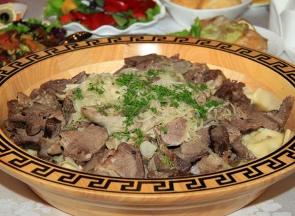Фото для рецепта: Бешбармак со свининой