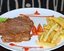 Фото для рецепта: Лангет из телятины с картофелем фри