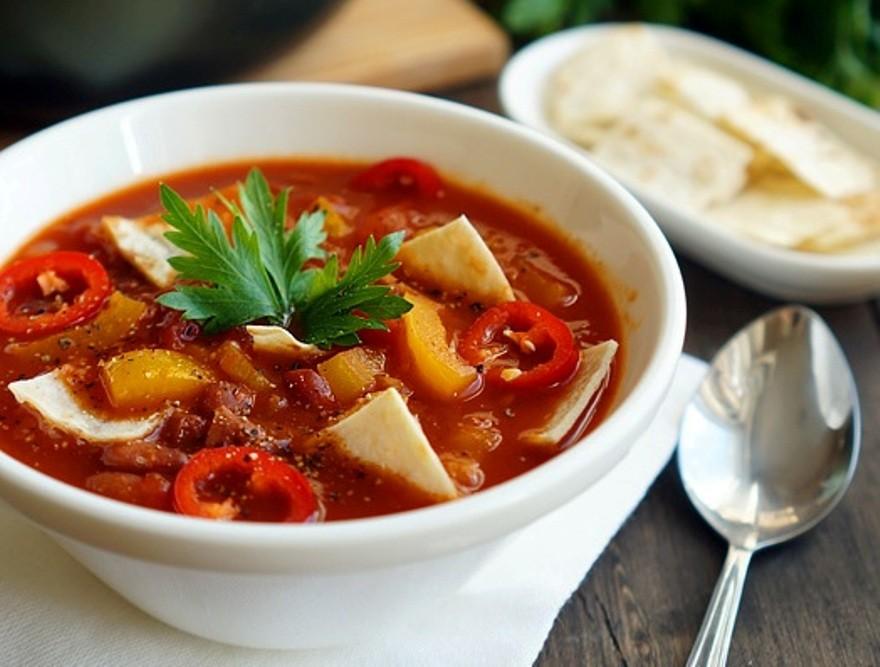 Фото для рецепта: Мексиканский суп с чипсами