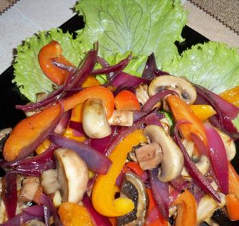 Фото для рецепта: Горячий салат с грибами