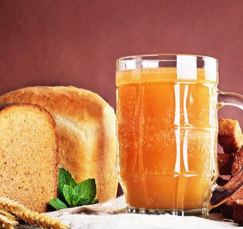 Фото для рецепта: Квас из ржаного хлеба