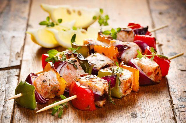 Фото для рецепта: Шашлык из тунца и овощей