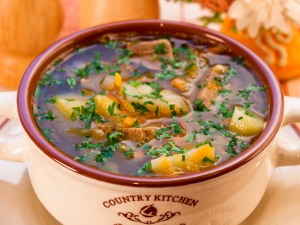 Фото для рецепта: Русские щи с квашеной капустой