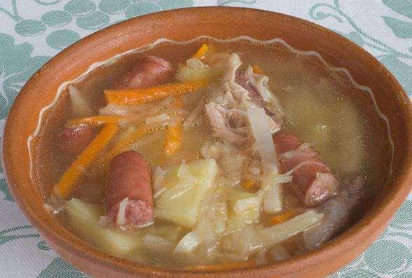 Фото для рецепта: Немецкий айнтопф с копчеными колбасками