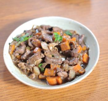 Фото для рецепта: Гуляш из телятины с овощами
