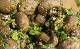 Фото для рецепта: Универсальный маринад для грибов